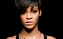 """Rihanna lansează videoclipul """"Sledgehammer"""" – VIDEO"""