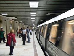 Premieră în București: Călătoria cu metroul va putea fi plătită direct cu cardul contactless, fără să mai fie nevoie de cumpărarea unei cartele