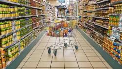 Românii la cumpărături: grăbiți, fără listă, într-un singur magazin, se încadrează în buget