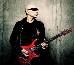Joe Satriani revine în România