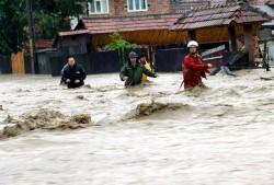 Satu Mare: Cod roșu pe râul Crasna, mai multe persoane au fost evacuate