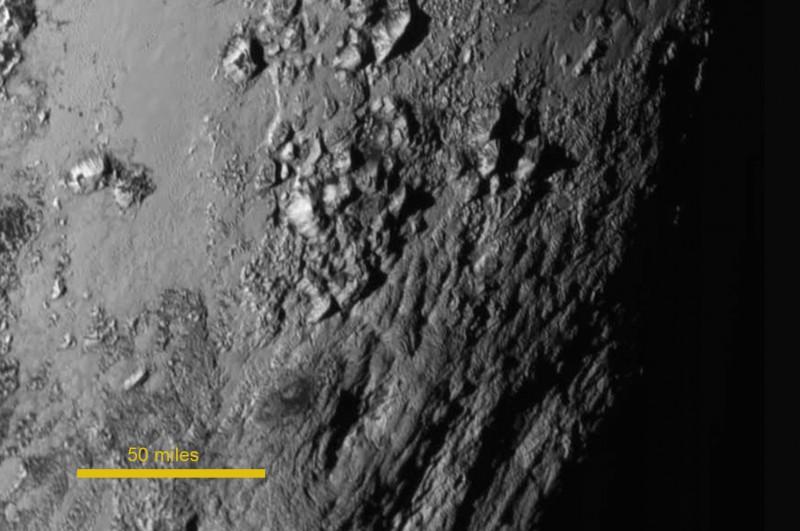 Pluto suprafata 2 NASA