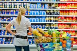 UPDATE: O echipă mixtă de la Ministerul Agriculturii, ANPC & Autoritatea Sanitar-Veterinară va verifica dacă și în România unele companii aduc în magazine alimente de o calitate mai slabă comparativ cu aceleași produse vândute în vest