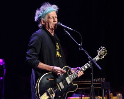 Keith Richards va filma un documentar despre tinereţea sa