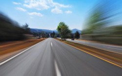 Șoferi prinși gonind cu peste 200km/h pe autostrăzile A1 și A2