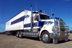Șoferii de TIR nu vor mai avea voie să-și instaleze pe cabină lumini suplimentare – proiect legislativ