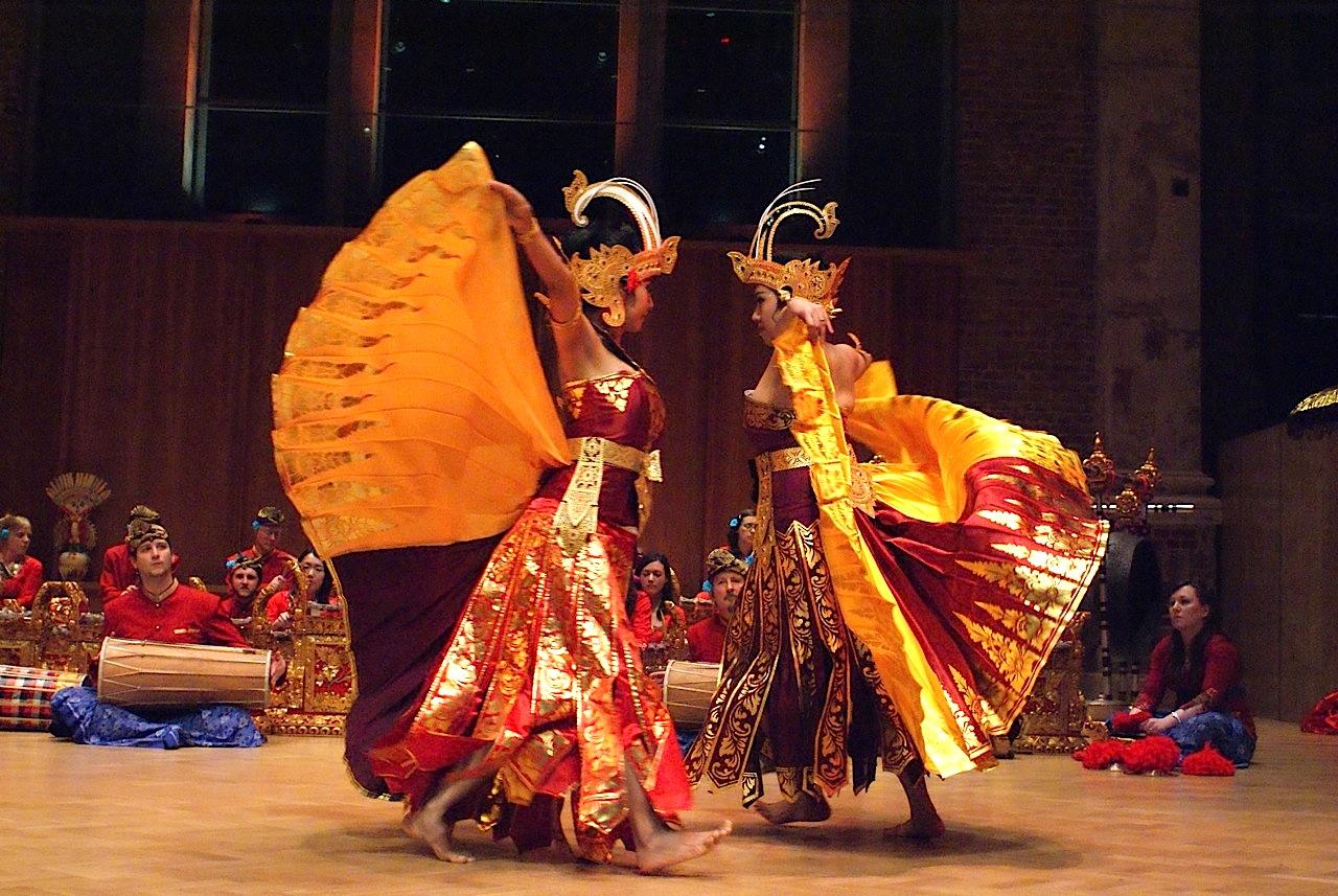 Dansul Cendrawasih este un dans balinez
