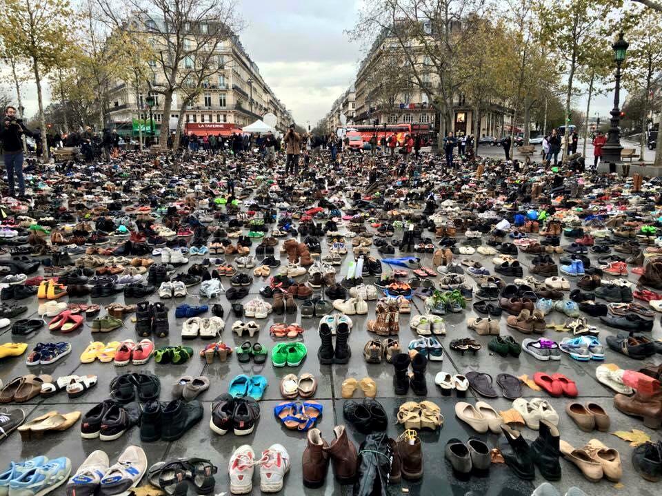 Papucii din Paris noiembrie 2015