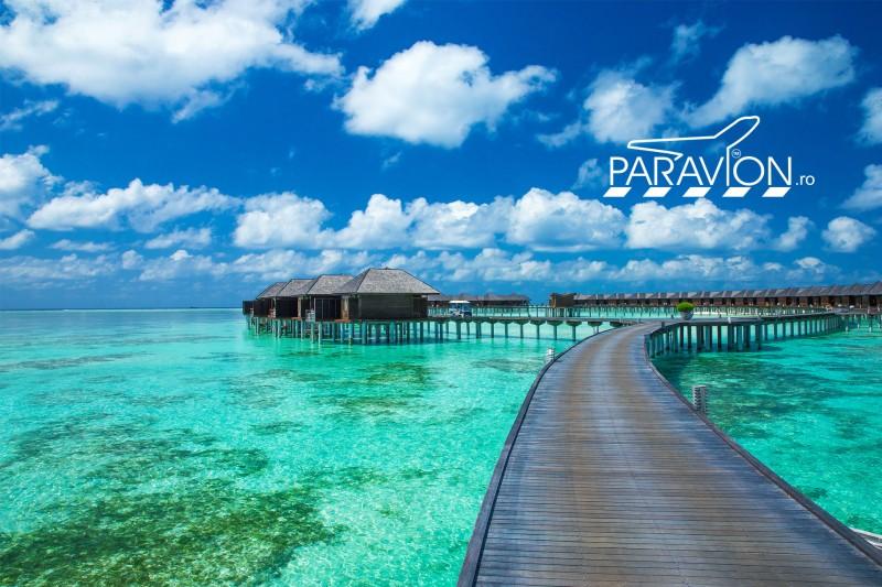 Vacanta-exotica-in-Maldive-paravion