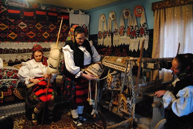 Șezătoarea din satul Botiza, județul Maramureș