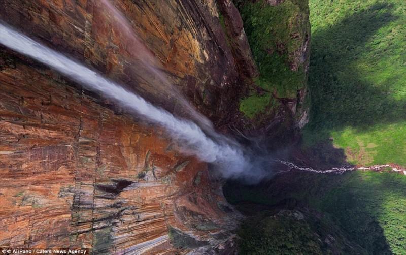 Cascada Angel Falls din Venezuela