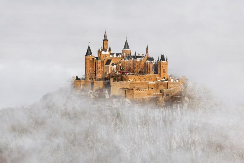 Castelul Hohenzollern shutterstock