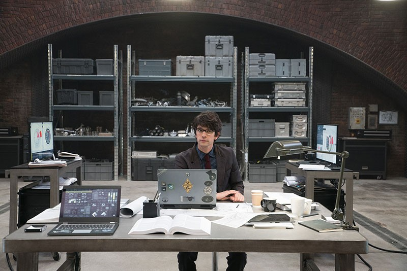 laptop din James Bond