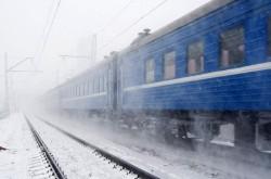 300 de pasageri au fost înghesuiţi de CFR în doar două vagoane (AUDIO)