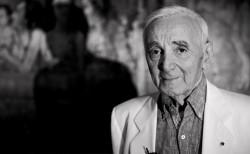 Concertul lui Charles Aznavour la Bucureşti,  reprogramat pentru 28 aprilie – VIDEO