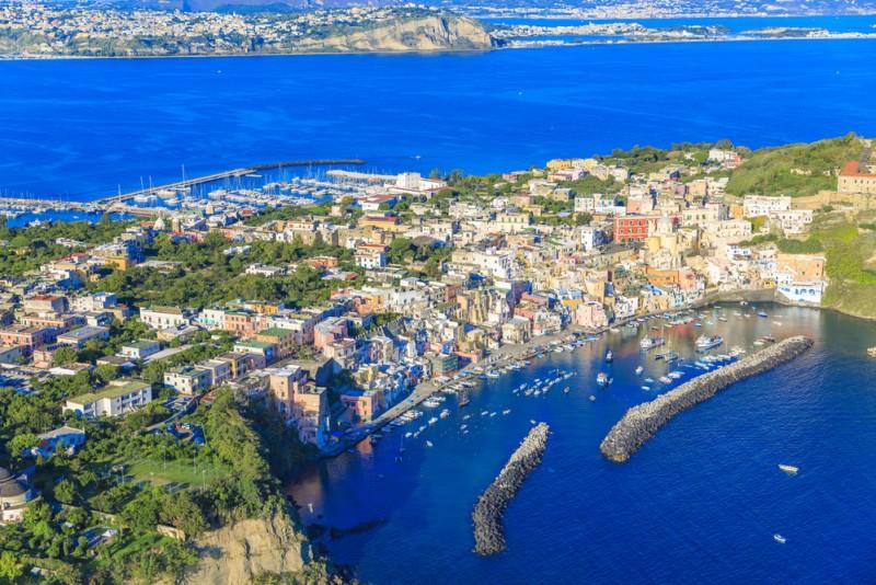 Procida, Italia shutterstock