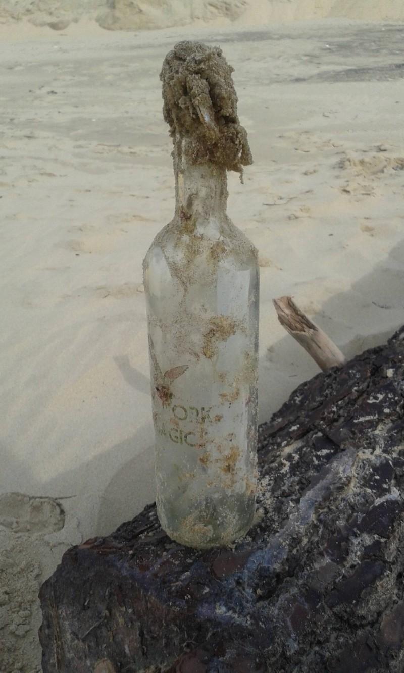 sticla cu mesaj (1)