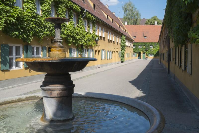 Fuggerei Augsburg Germania (2)