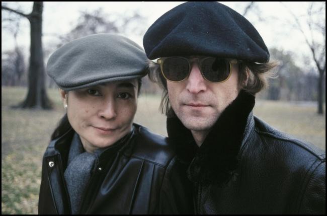 Yoko Ono si John Lennon