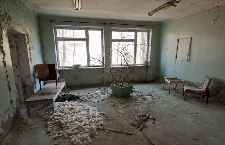Pripyat la 30 de ani după tragedia de la Centrala Atomoelectrica Cernobil - interior de casa