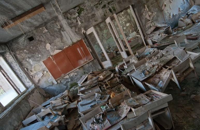 Pripyat la 30 de ani dupa tragedia de la Centrala Atomoelectrica Cernobil - clasa unei scoli ravasite