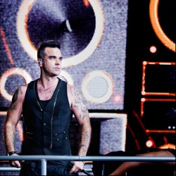 Robbie Williams va lansa un nou album de studio