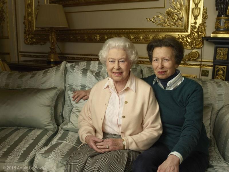 regina Elisabeta a II a la 90 de ani (1)