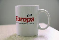 Câștigă două căni speciale Europa FM