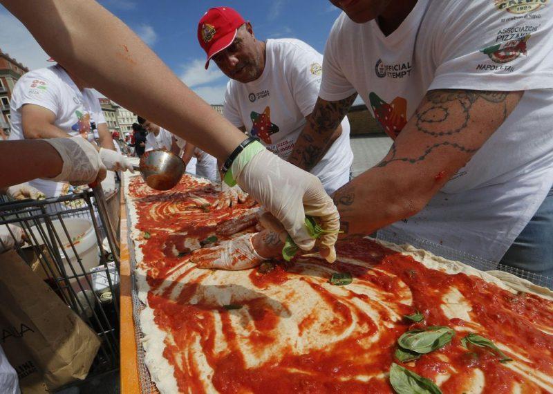 cea mai lunga pizza din lume (8)