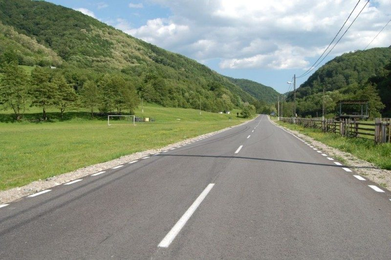 drum asfaltat Sarmisegetuza (2)