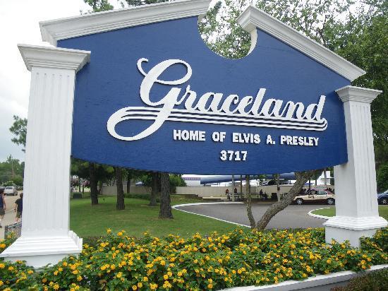 graceland-sign