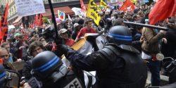 Paris: 100.000 de oameni protestează față de noul cod al muncii