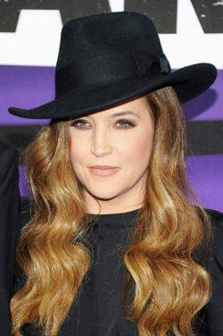 Lisa Marie Presley divorţează de cel de-al patrulea soţ