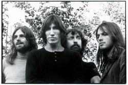 "Pink Floyd lansează setul ""The Early Years 1965-1972"""