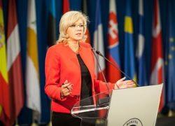 Corina Crețu: UE nu poate obliga Marea Britanie să plece. Comisarul European face un apel și către România