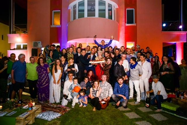 loredana petrecere indiana familie si prieteni
