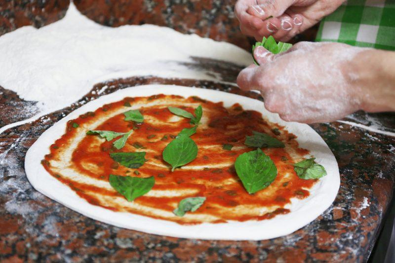 pizza shutterstock (2)