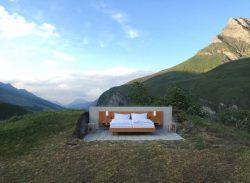 Niște elvețieni cu idei lansează un concept nou de turism: hotelul fără pereți (AUDIO)