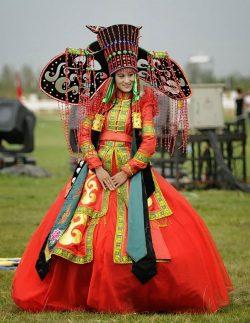 Hainele tradiţionale de nuntă în jurul lumii – GALERIE FOTO