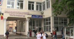 """Un medic de la un spital din Iași: """"Operăm câte doi pacienţi, simultan, în aceeaşi sală."""" (AUDIO)"""