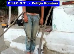 Sclavi în România! Zeci de persoane, răpite, ținute în lanțuri, bătute și violate de o grupare din Argeș