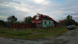Timiș: Furtuna a lăsat sute de case fără acoperiș
