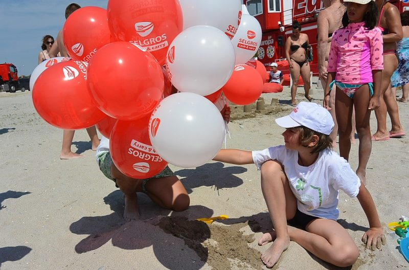 David intre baloane pe Plaja Europa FM