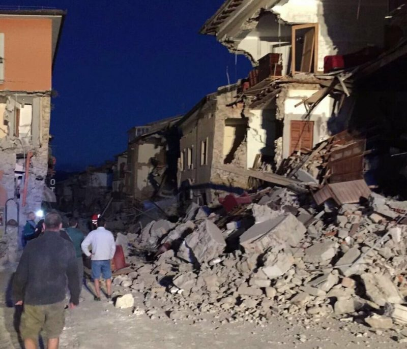 cum arata casele dupa cutremurul din Amatrice Șase persoane ar fi murit în urma cutremurului din Italia