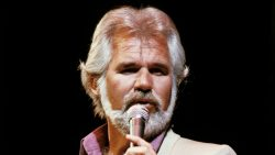 Kenny Rogers se retrage din muzică – VIDEO