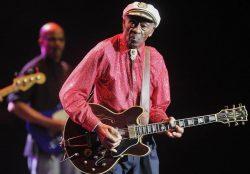 Chuck Berry lucrează la primul său disc din ultimele 4 decenii