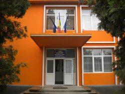 Arad: Trei eleve care strângeau bani pentru Balul Bobocilor, rănite în urma unui accident