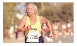 La 90 de ani, Elena Pagu a câștigat medalia de aur la 5.000 de metri la o competiție din Australia