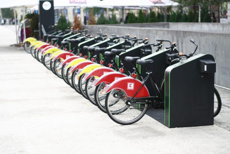 sistemul-de-bike-sharing-din-bucuresti-centru-de-inchiriere-biciclete-ivelo-003-europafm-ro