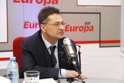 Ministrul Sorin Bușe: TAROM va fi restructurată/ Nu este exclusă privatizarea companiei